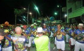 [Carnaval: Banda Habeas Copos abre folia com homenagem aos 25 anos do Projeto Axé]