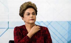 """[Dilma afirma que denúncias recentes de corrupção """"são repetições""""]"""