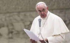 """[""""É uma contradição"""", diz papa Francisco sobre violência em religiões monoteístas]"""