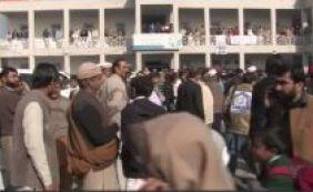 [Paquistão: atentado em universidade deixa dezenas de pessoas mortas]