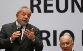 """[""""Não tem uma viva alma mais honesta que eu"""", garante Lula sobre investigação]"""