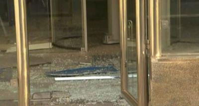 Bandidos explodem agência da Caixa Econômica Federal da Avenida Barros Reis