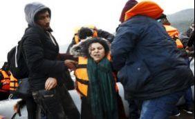 [Naufrágios no Mar Egeu deixam 44 migrantes mortos na Grécia]