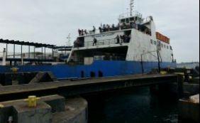 [Ferries colidem no terminal de São Joaquim; Internacional culpa o vento]