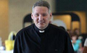 [Padre Marcelo Rossi lança livro nesta terça-feira em Salvador]