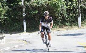 [Ciclista morre e outro fica ferido após serem atropelados em rodovia de Santos]
