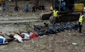 [Embarcação naufraga e treze pessoas morrem afogadas na Malásia]