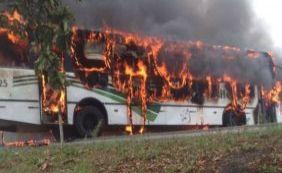 [Em protesto, grupo fecha BR-367 e incendeia ônibus no distrito de Pindorama]