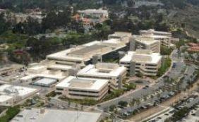 [Homem armado invade prédio do Hospital Naval em San Diego, nos EUA]