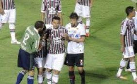 [Ex-Vitória é agredido por Fred em lance na Primeira Liga; veja vídeo]