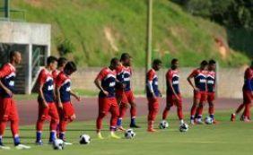 [Doriva esboça time titular do Bahia contra a Juazeirense]