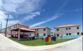 [Governo entrega títulos de terra a seis mil famílias em Guanambi]