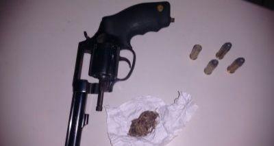 Polícia prende nigeriano com arma e drogas em Arembepe