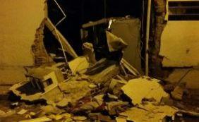 [Grupo explode cofres e destrói parte de agências bancárias em São Desidério]