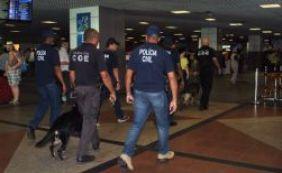 [Mais de 40 voos são vistoriados em operação da polícia no Aeroporto de Salvador]