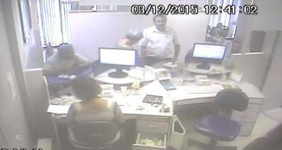 Polícia procura homens acusados de roubar R$ 40 mil de idosa em Salvador