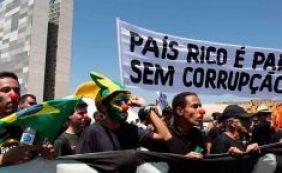 """[Pesquisa aponta que 70% dos brasileiros já tiveram """"atitude corrupta"""