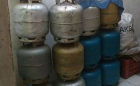 [Polícia fecha deposito de gás que agia clandestinamente em Brumado]