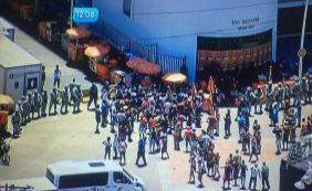 [Ambulantes realizam novo protesto na Barra contra monopólio de cervejaria ]
