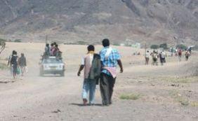 [Estado Islâmico ataca campo militar e deixa ao menos 14 mortos no Iêmen]