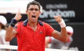 [Brasileiro, número 338 do mundo, derrota Tsonga, 9º no ranking, no Rio Open]