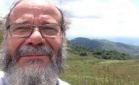 [Ufba realiza ato em homenagem a professor morto na Bahia]