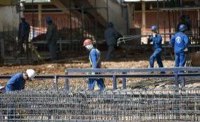 [Desemprego cresce 41% e Brasil perde 533 mil vagas no mercado de trabalho ]