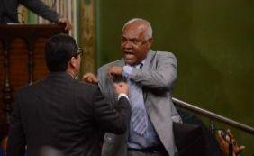 [Vereador critica Tinoco e pede mais respeito
