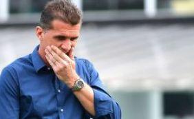 """[""""Perco uma cabeça pensante"""", diz Mancini sobre saída de Leandro Domingues]"""