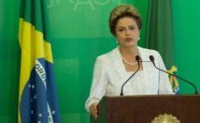 [Dilma assina contrato para desenvolver vacina contra dengue]