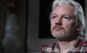 [Criador do Wikileaks completa três anos refugiado em embaixada de Londres]