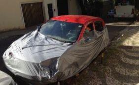 [Você Repórter: moradores denunciam carro abandonado no Rio Vermelho]