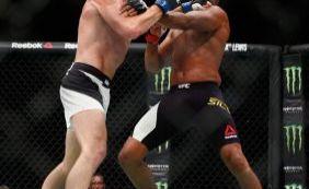[Anderson Silva brinca demais e é derrotado em seu retorno ao UFC]