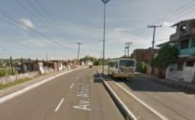 [Motociclista morre e mulher fica ferida em colisão com poste no Lobato]