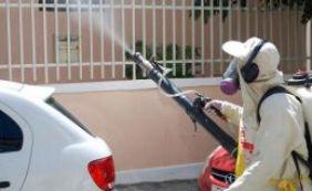[Prefeitura faz aplicação de inseticida no Centro Histórico em combate à dengue]