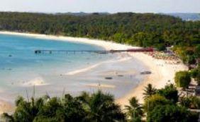 [ 22 praias estão impróprias para banho neste final de semana, alerta Inema ]