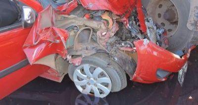 Colisão entre carro e carreta deixa cinco feridos em Luís Eduardo Magalhães