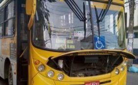 [Ônibus pega fogo e causa lentidão nas proximidades do bairro do Canela]