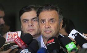 [Aécio diz que situação de Lula deve ser tratada como questão de polícia]