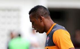 [Robert comemora retorno ao Vitória com gol após lesão no joelho]