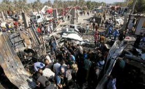 [Atentado no Iraque: caminhão-bomba explode e mata 60 pessoas]