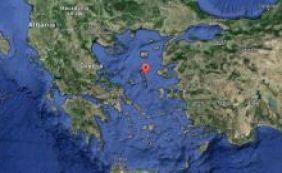 [Embarcação naufraga no mar Egeu e deixa 18 migrantes mortos]