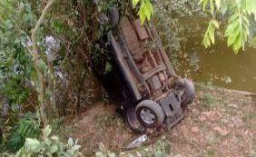 [Carro cai de ponte e deixa mulher ferida no sul da Bahia]
