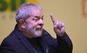 [Após ação da PF, Lula se reúne com diretores e fala de estratégias políticas]