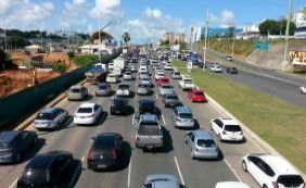 [Trânsito tem vias bloqueadas e congestionamentos nesta quarta; confira ]