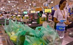 [Com perda de força, inflação oficial fica em 0,9% em fevereiro, segundo IBGE]