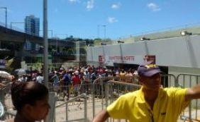 [BA x VI: Tricolores fazem fila nas bilheterias da Arena por ingressos]