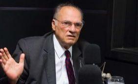"""[""""Governo incompetente"""", opina Freire sobre nomeação de ministro da Justiça]"""
