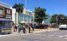 [Manifestação pró-PT reúne poucos participantes em Salvador; veja fotos]