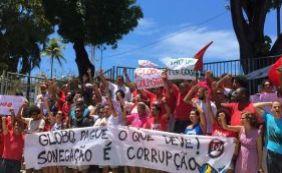 [Após protesto em frente à Rede Bahia, jornalista é preso: